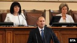 Президентът Румен Радев говори при откриването на есенната сесия на Народното събрание