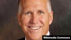 АҚШ Республикалық партиясы өкілі Том Тиллис.