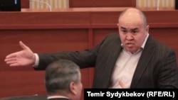 Алтынбек Суйлайманов.