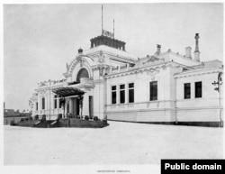 Дмитрий Михальченко открыл свой офис в памятнике архитектуры – императорском павильоне Витебского вокзала, построенном для Николая II в 1901–1903 гг.