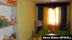 """Игровая комната для ВИЧ-инфицированных детей, получающих помощь в рамках проекта """"Хоспис на дому"""". Темиртау, июль 2012 года."""