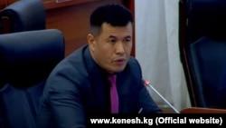 Депутат Омурбек Бакиров.