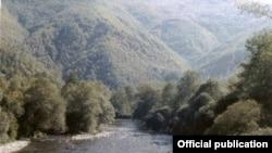Реката Радика во мавровскиот крај
