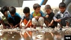 بسیاری از پناهجویان عراقی در اردوگاههایی که کشورها در مرزهای خود ساخته اند، شرایط سختی دارند.