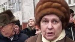 Жыхары кварталу ў Гомлі пратэстуюць супраць новага дома ў іх двары