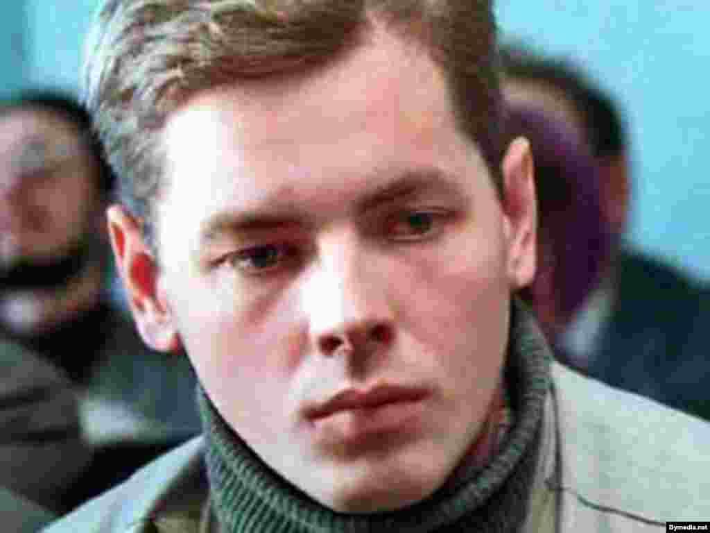 Дмитро Завадський, мінський телеоператор російського телеканалу «ОРТ». Таємниче зник по дорозі в мінський аеропорт 7 липня 2000 року.