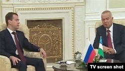 Президент России Дмитрий Медведев и президент Узбекистана Ислам Каримов.