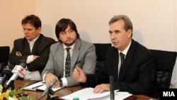 Претседателот на Уставниот суд Трендафил Ивановски се брани пред Комисијата за лустрација дека не соработувал со тајните служби