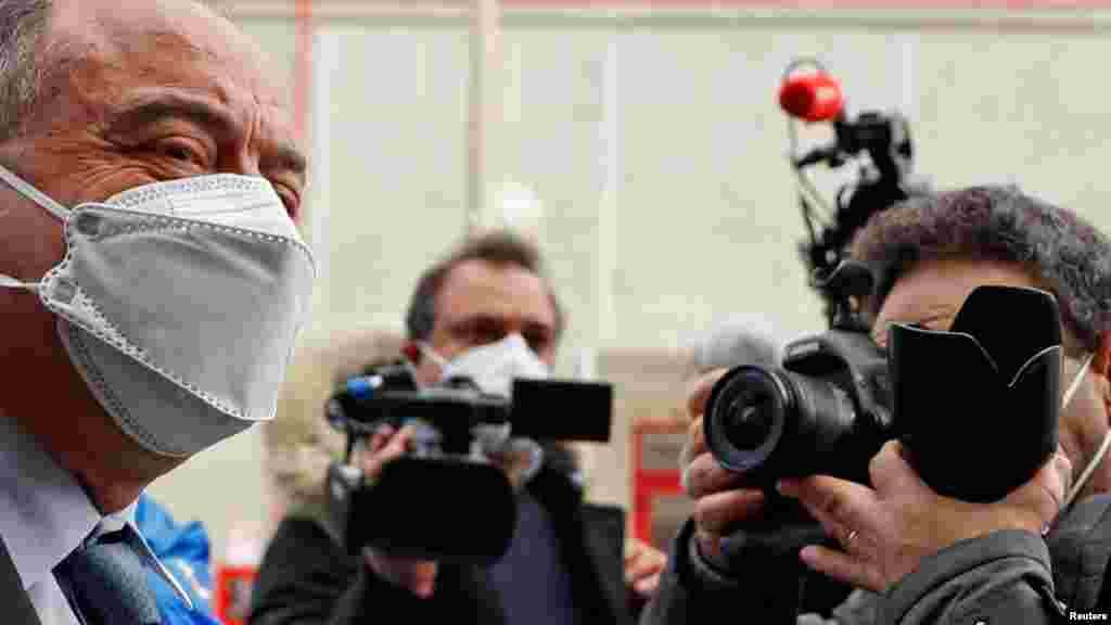 ИТАЛИЈА - Стотици наводни членови на најмоќната италијанска мафија денеска станаа дел од најголемиот судски процес за организиран криминал во земјата во изминативе 30 години. Денеска почнува судскиот процес против 355 осомничени членови на таканаречениот криминален синдикат во кои се вмешани политичари, адвокати и бизнисмени во јужниот регион Калабрија.