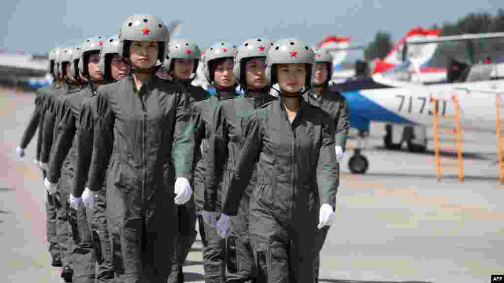 The first of the People's Liberation Army's female fighter pilots were introduced at a Beijing ceremony in August 2009.