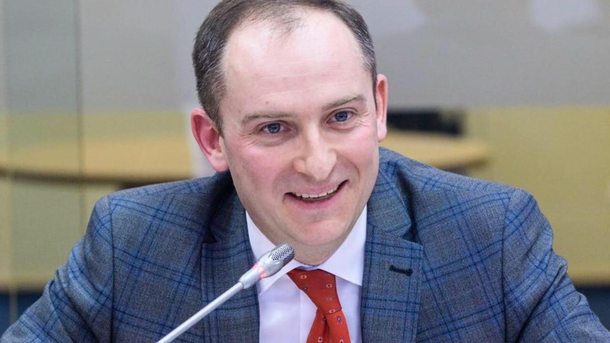 Верланов оспаривает увольнение с должности главы налоговой службы – суд