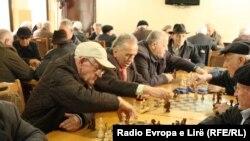 Pensionistët në Prishtinë, mars 2015