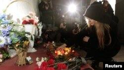 Цветы на месте теракта в Минске. 16 марта 2012 г