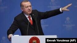 Президент Турции Эрдоган выступает на саммите Организации Исламского сотрудничества