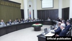 Armenia - Prime Minister Tigran Sarkisian chairs a cabinet meeting in Yerevan, 31May2012.