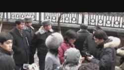 Банкке талаппен келгендерді полиция бөгеді