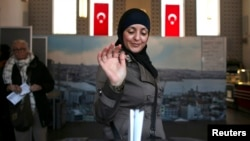 Alegerile de astăzi într-o moschee din Amsterdam...