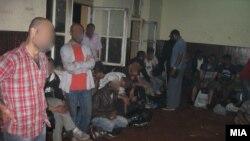 Илегални мигранти кои беа откриени во товарен воз на железничката станица во Велес.