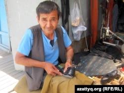 Абдуали Ахмет, оралман из Афганистана. Карасайский район Алматинской области, 30 мая 2011 года.