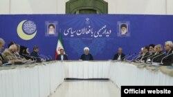 دیدار روحانی با فعالین سیاسی اصولگرا و اصلاحطلب