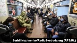 Перший день роботи метро у Києві