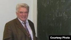 Директор Международного математического института им. Эйлера Людвиг Фаддеев