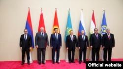 Главы государств-членов ОДКБ на саммите в Астане, 8 ноября 2018 г․