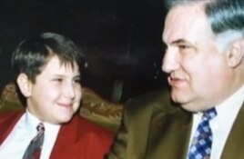 Ilan Shor as a child with his father, Miron