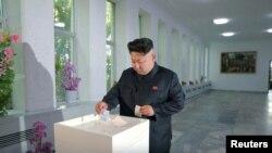 گزارشها حاکی است که اعدام معاون نخست وزیر کره شمالی به دنبال اختلاف او با کیم جونگ اون (در تصویر)، رهبر کشور بوده است.