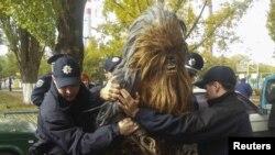 Чубакку задержали в Одессе за вождение без документов