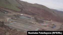 Вид на золотой рудник Човдар в Дашкесанском районе Азербайджана, 2012.