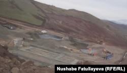 Вид на Човдарскую шахту, апрель 2012 года.
