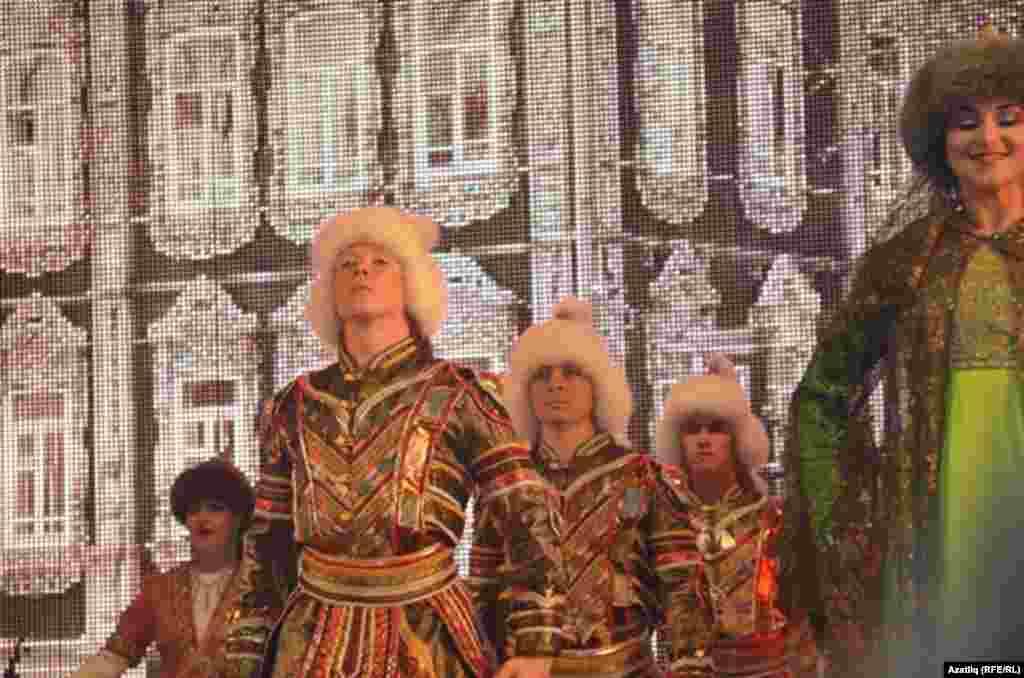Төмән егете Марат Татарстан дәүләт ансамблендә чыгыш ясый