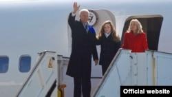 Vicepreședintele Joe Biden la sosirea pe aeroportul din Chișinău