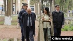 20 апреля заместитель директора Агентства информации и массовых коммуникаций Саида Мирзияева посетила Букинский район Ташкентской области, где приняла участие в процессе реализации 5 инициатив своего отца.