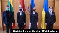 Украина- украинскиот министер за надворешни работи Дмитро Кулеба со своите колеги од Естонија, Литванија и Латвија, 15.04.2021