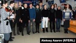 Актеры драматического театра DTK на репетиции. Алматы, 17 февраля 2014 года.