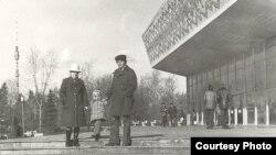"""Кинотеатри """"Тоҷикистон"""", акси солҳои 80"""