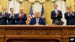 Donald Trump avqustun 13-də Birləşmiş Ərəb Əmirlikləri (BƏƏ) və İsrail arasında razılaşma mərasimində
