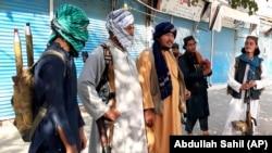 Milițiile Taliban au cucerit capitala regională Kundus, 9 august 2021.