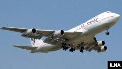 """""""ИранЭйр"""" авиакомпаниясынын Боинг–747 учагы, Тегеран."""