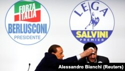 Лідер «Форца Італія» (Вперед, Італіє) Сильвіо Берлусконі з політичним союзником Маттео Сальвіні, лідером «Північної ліги»