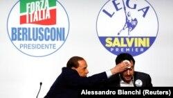 Сильвио Берлускони (сол жақта) мен Маттео Сальвини. Рим, 1 наурыз 2018 жыл