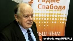 Станіслаў Шушкевіч: Гэтай уладзе ў Курапаты лепш ня лезьці