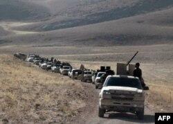 تصویر گروهی از شبهنظامیان جبهه نصرت را در مرز سوریه با لبنان نشان میدهد. این تصویر بیش از دو هفته پیش منتشر شده است.