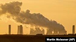 Szenet égető erőmű a nyugat-németországi Lützerath közelében 2021. október 1-jén