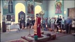 Пасха в Крыму: верующие освящают праздничные корзины (видео)