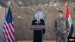 Ministrul american al apărării Jim Mattis la o conferință de presă
