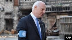 مبعوث الأمم المتحدة الخاص الى سوريا ستيفان دي ميستورا في مدينة حمص السورية