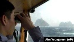 Сотрудник северокорейской береговой охраны. Иллюстративное фото.